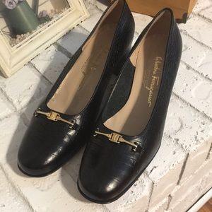 Salvatore Ferragamo Boutique Size 10 Pump Leather
